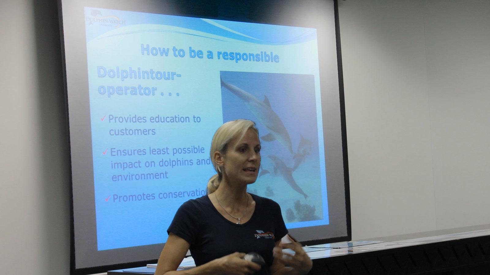 Angela Ziltener über verantwortungsvollen Delfintourismus
